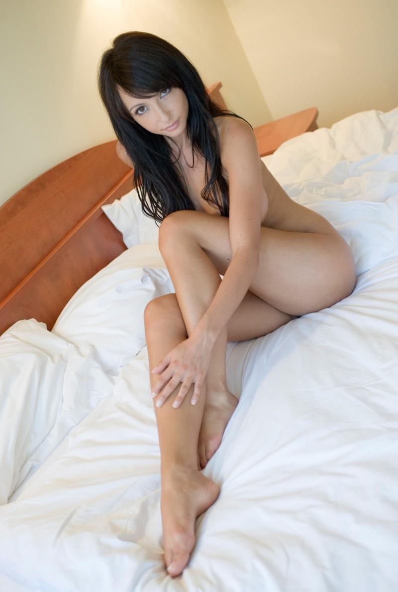 nude-brunettes-vol1-16