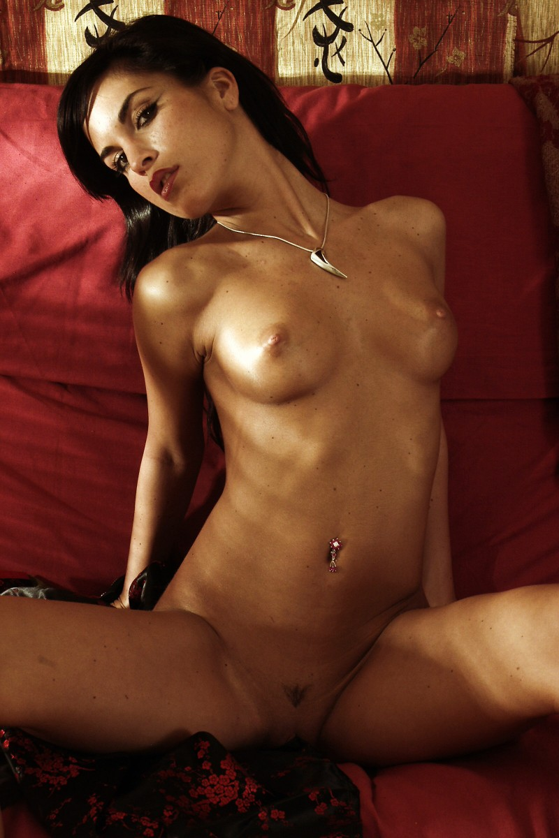 nude-brunettes-vol1-27