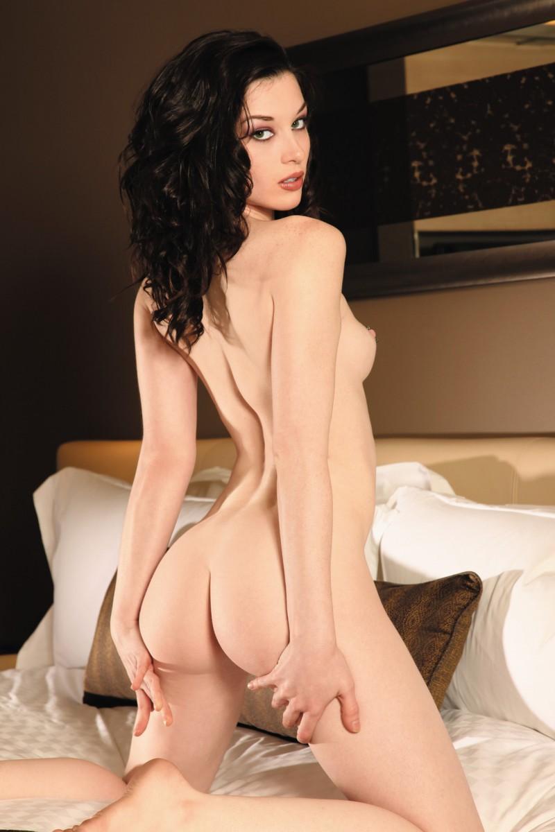 nude-brunettes-vol1-31