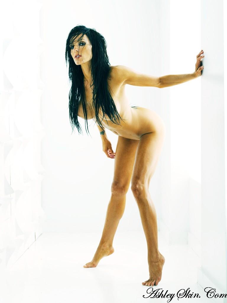 nude-brunettes-vol1-35