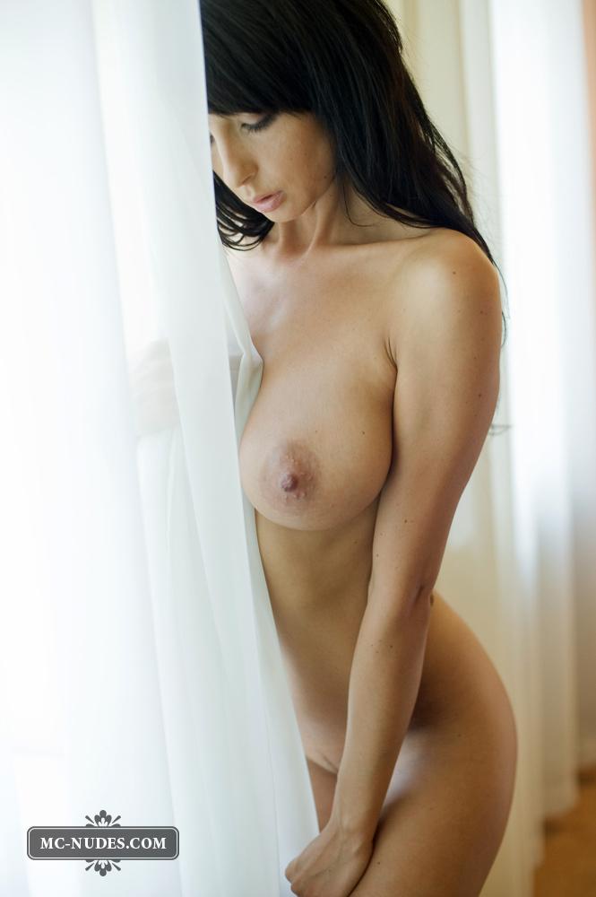 nude-brunettes-vol1-46