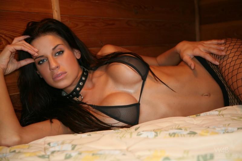 nude-brunettes-vol1-68
