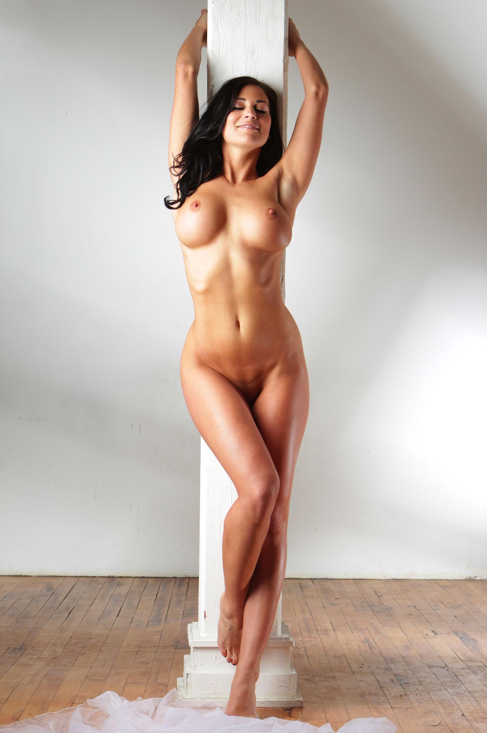 nude-brunettes-vol1-70