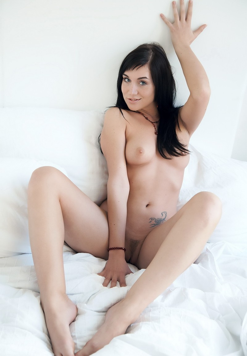 nude-brunettes-vol1-73