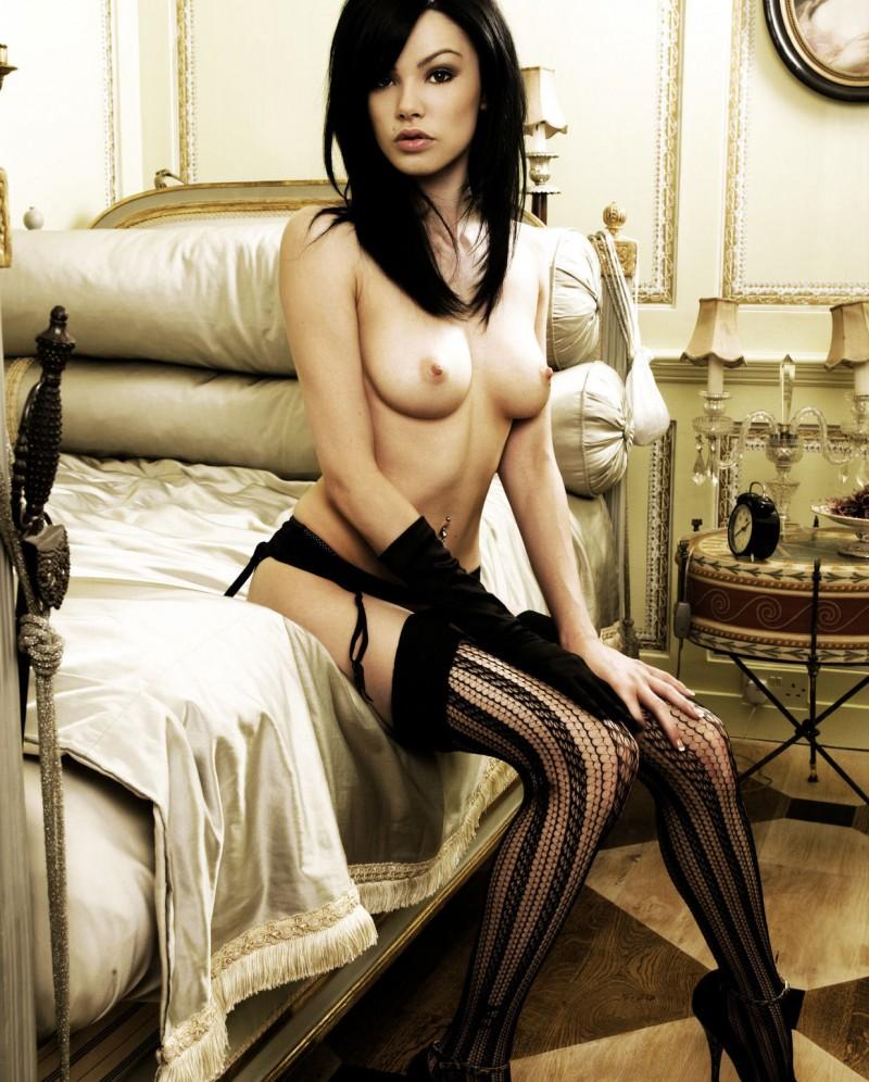nude-brunettes-vol1-88