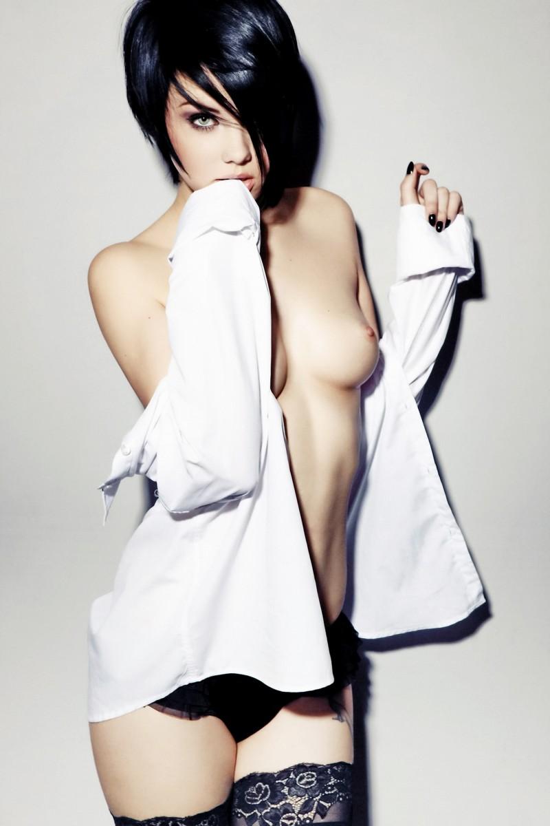 nude-brunettes-vol1-92