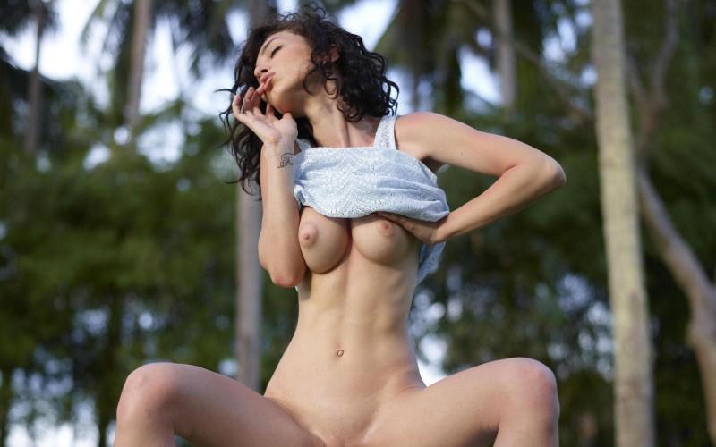 nude-brunettes-vol1-94