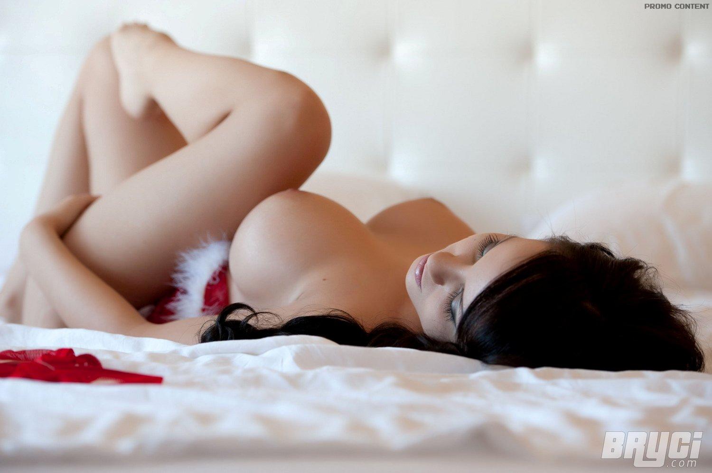 bryci-boobs-sexy-santa-boobs-xmas-lingerie-naked-12
