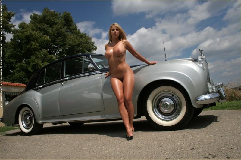 Rolls of naked women