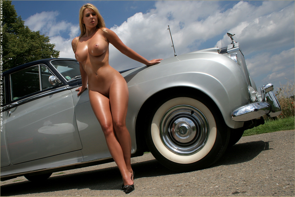 cars-with-naked-women