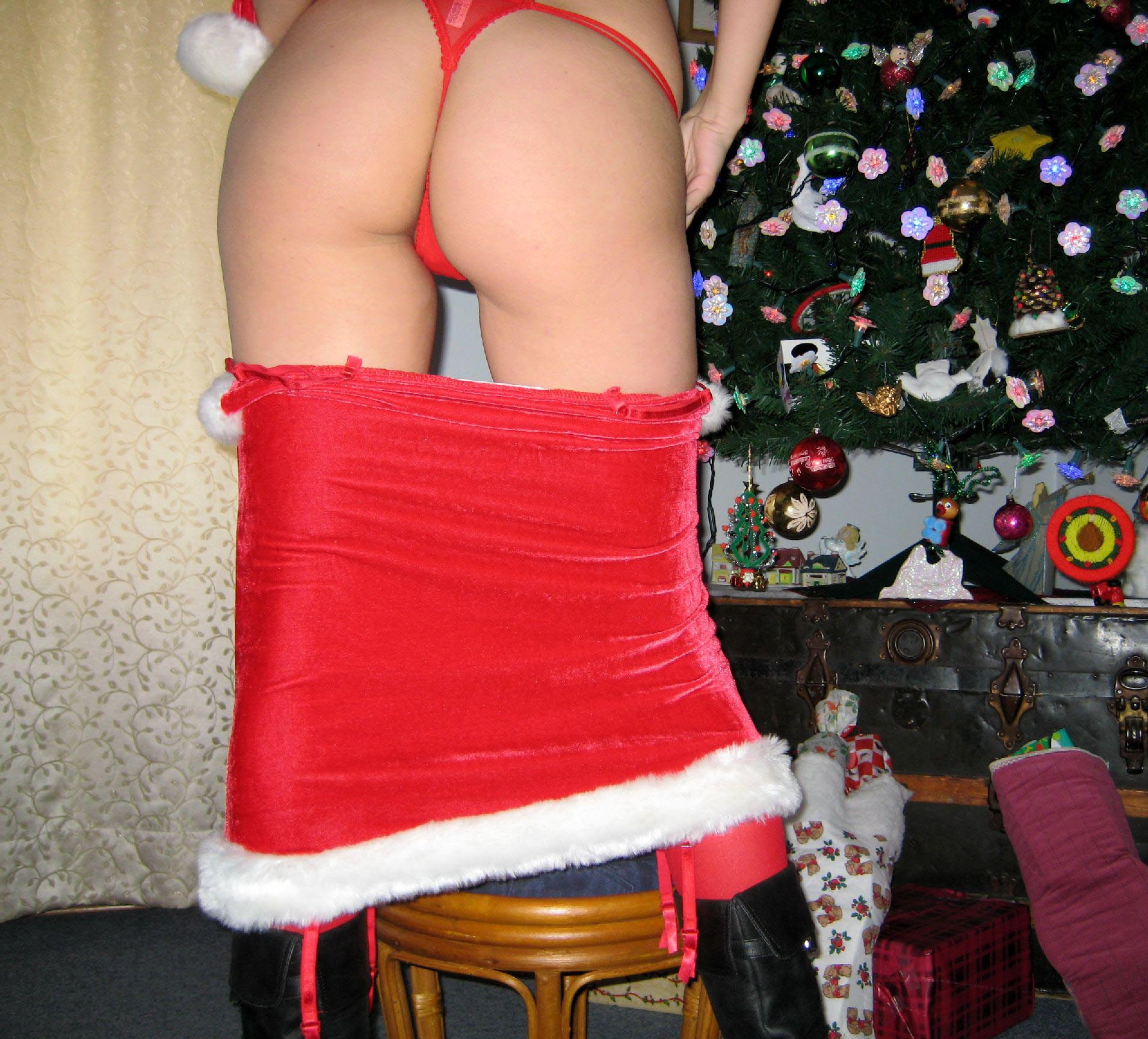 big-boobs-amateur-exgirlfriend-santa-xmas-nude-16