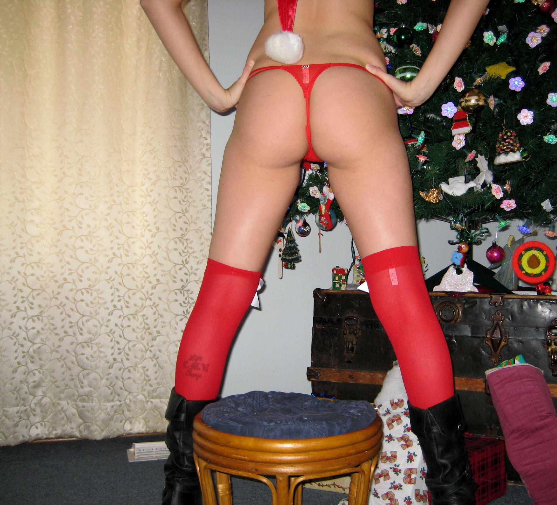 big-boobs-amateur-exgirlfriend-santa-xmas-nude-18