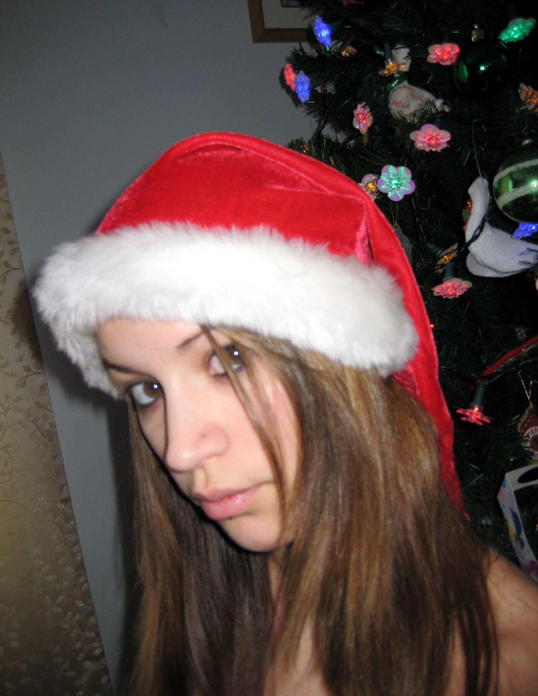 big-boobs-amateur-exgirlfriend-santa-xmas-nude-34