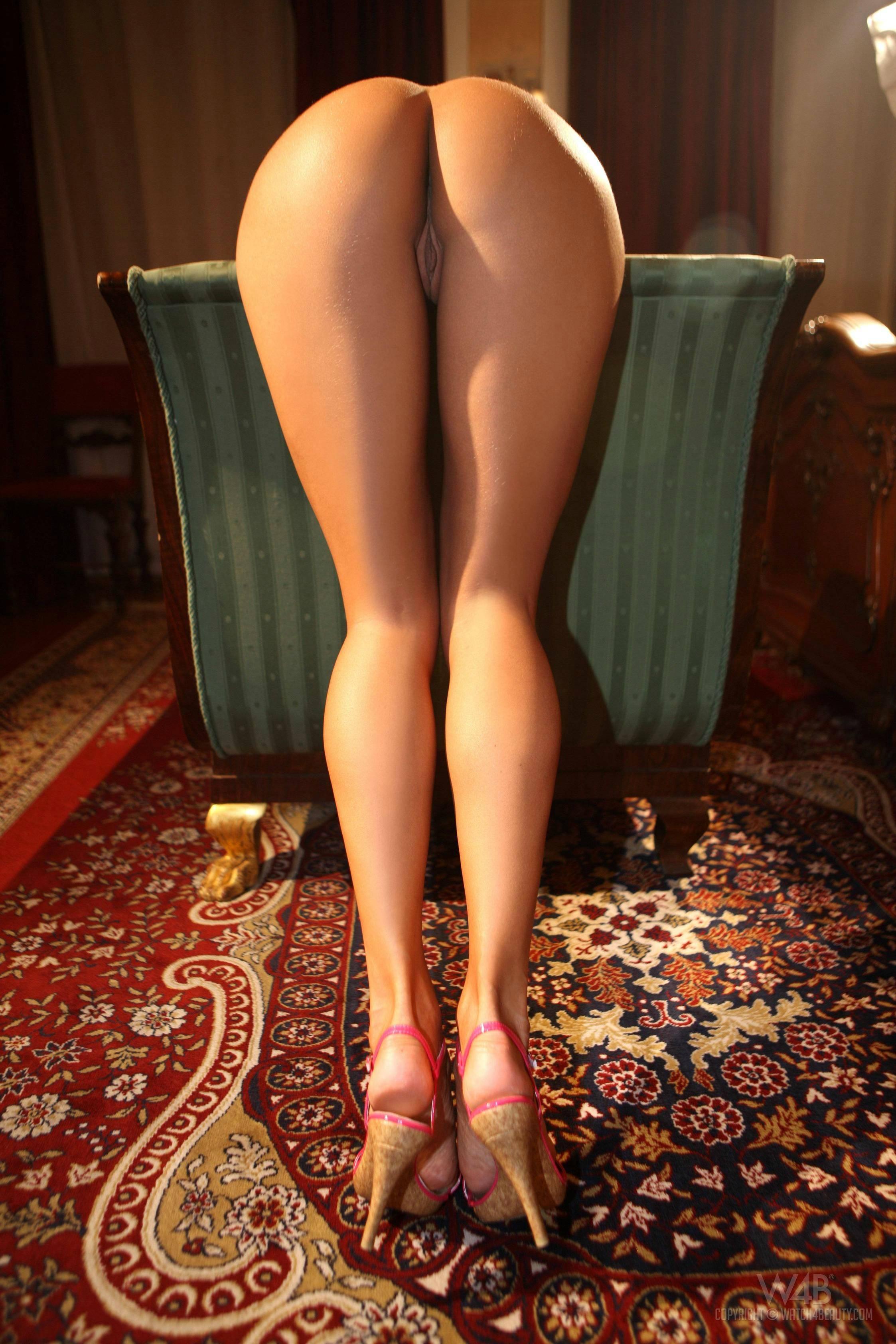 Раздвинула длинные ноги 27 фотография