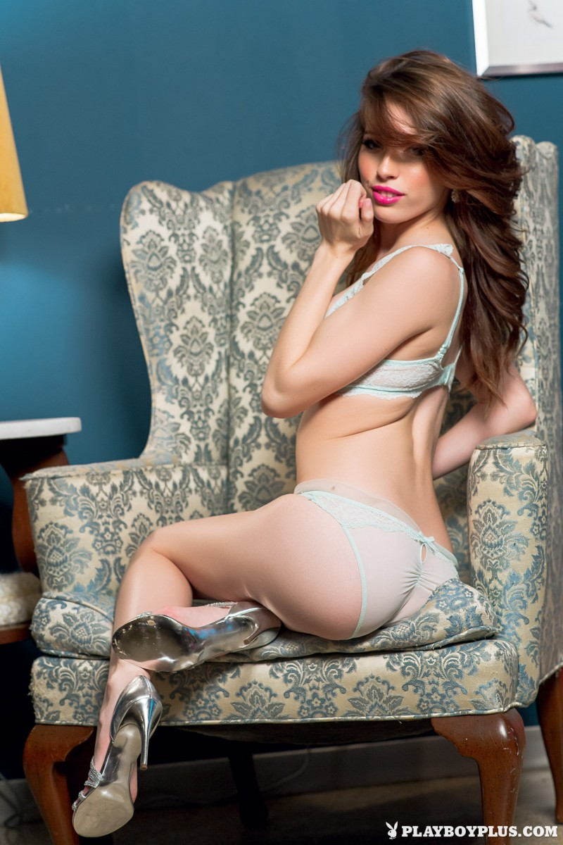 caitlin-mcswain-armchair-nude-playboy-03
