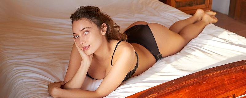 Calypso Muse in black lingerie
