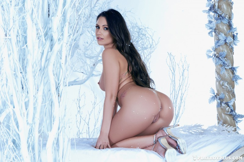 candace-leilani-winter-queen-naked-playboy-11