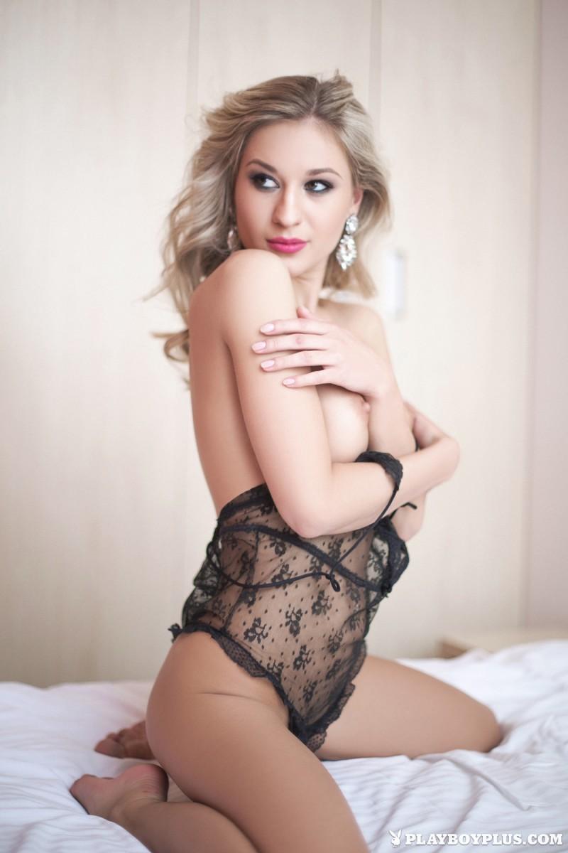 darina-litvinova-nude-bedroom-playboy-03