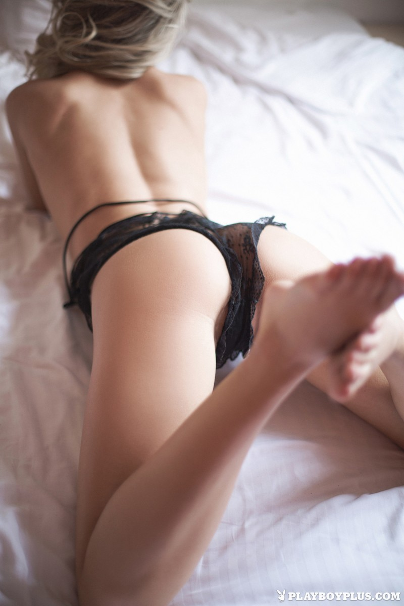 darina-litvinova-nude-bedroom-playboy-06