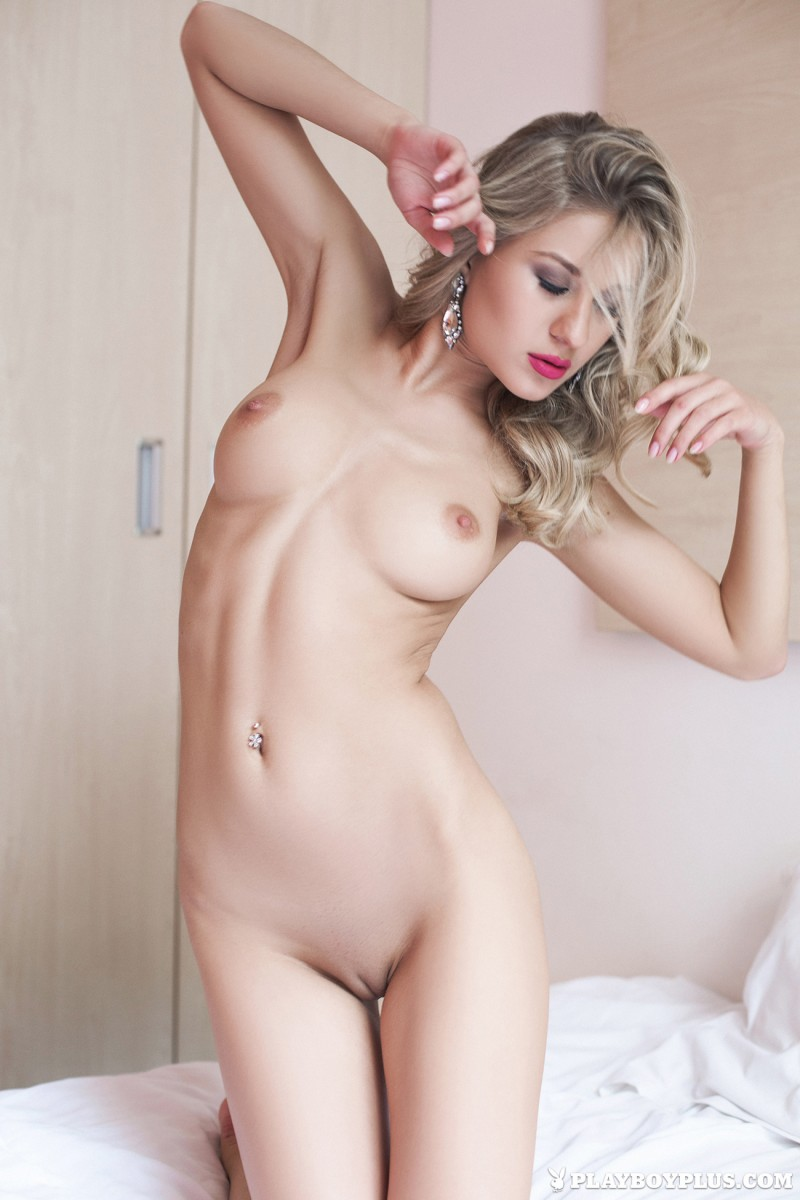 darina-litvinova-nude-bedroom-playboy-09