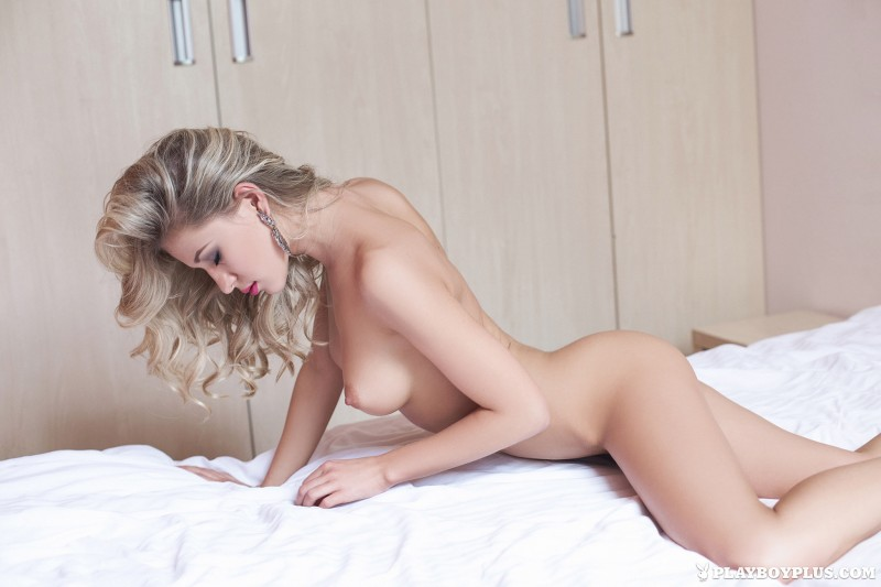 darina-litvinova-nude-bedroom-playboy-13