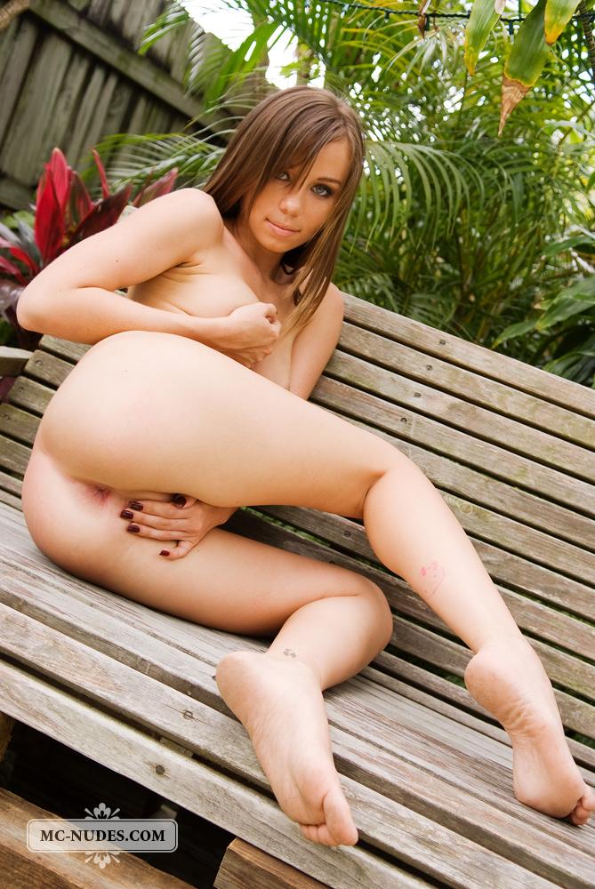 alexis-capri-nude-bench-mcnudes-05