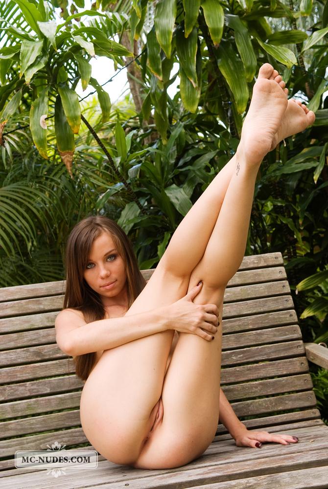 alexis-capri-nude-bench-mcnudes-10
