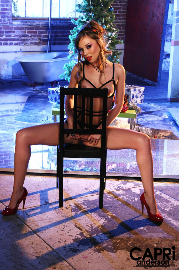 capri-anderson-christmas-nude-10