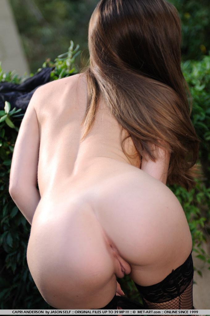 capri-anderson-jacuzzi-naked-metart-03