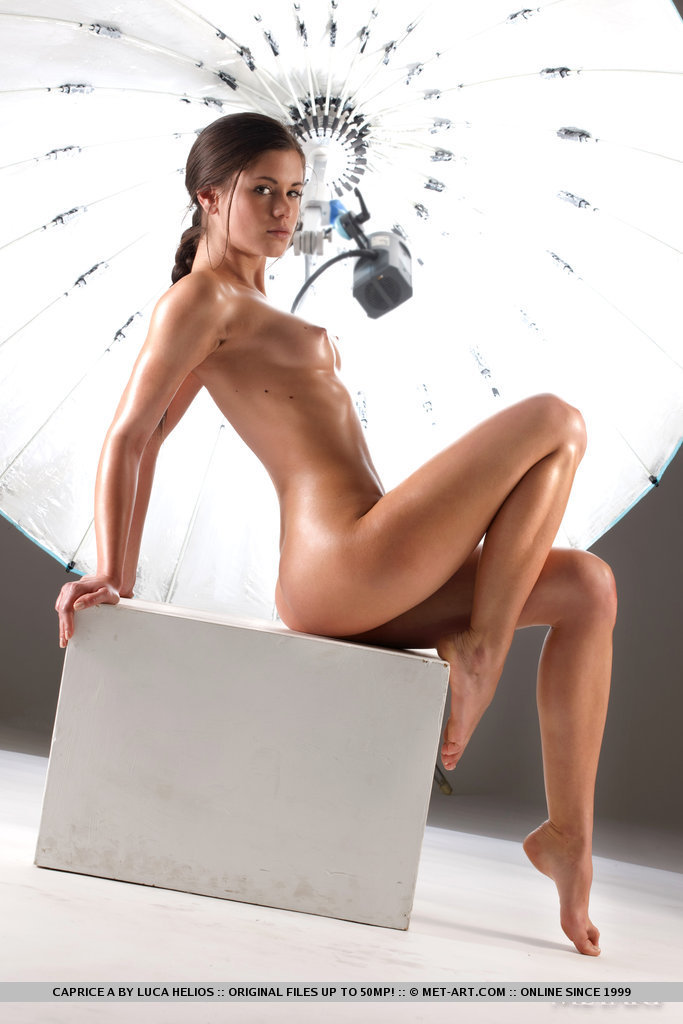 caprice-a-studio-photoshoot-nude-metart-10