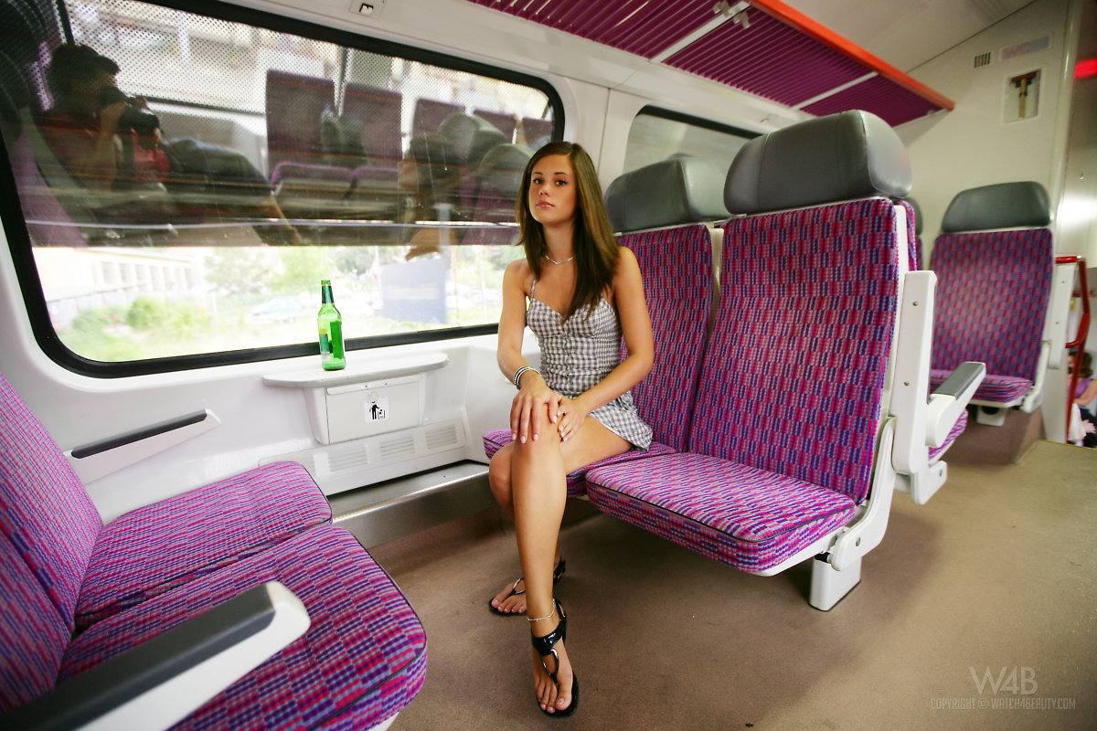 caprice A train little-caprice-02
