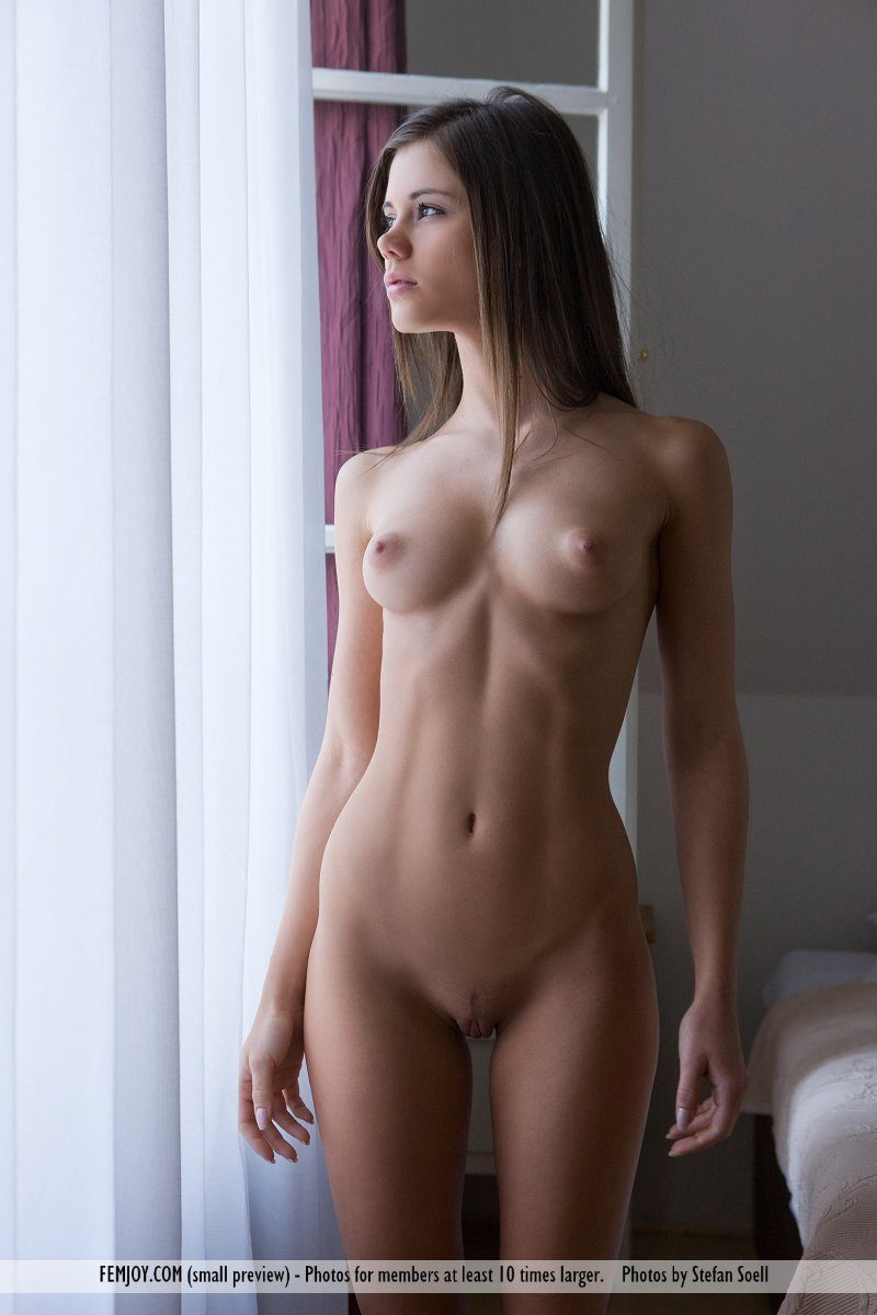 caprice-nude-young-window-femjoy-03
