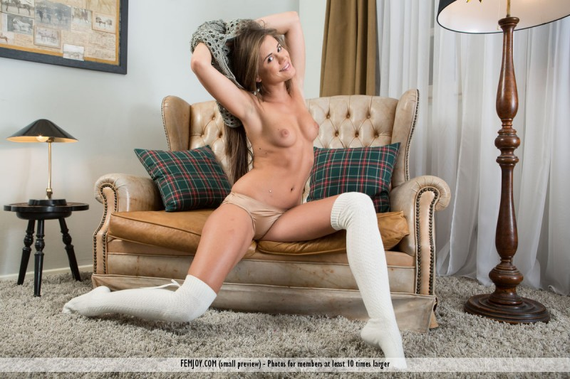 caprice-sweater-nude-knee-socks-femjoy-06