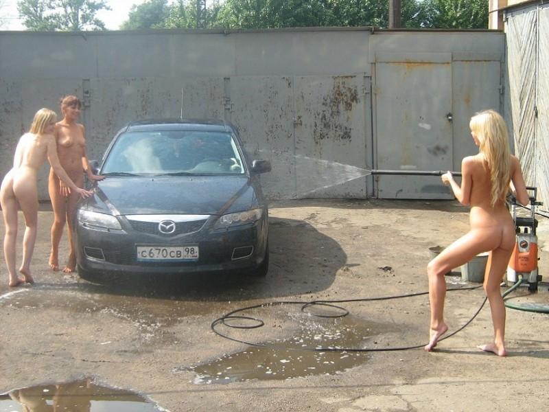 three-girls-carwash-petersburg-05
