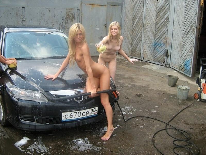 three-girls-carwash-petersburg-37