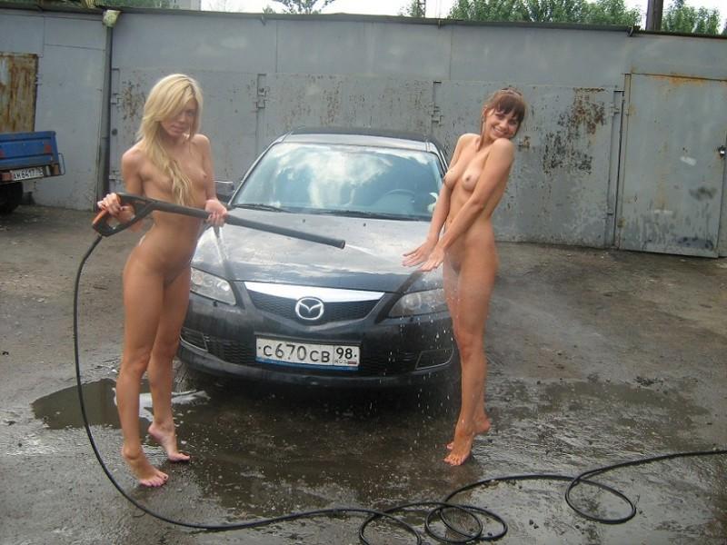 three-girls-carwash-petersburg-41
