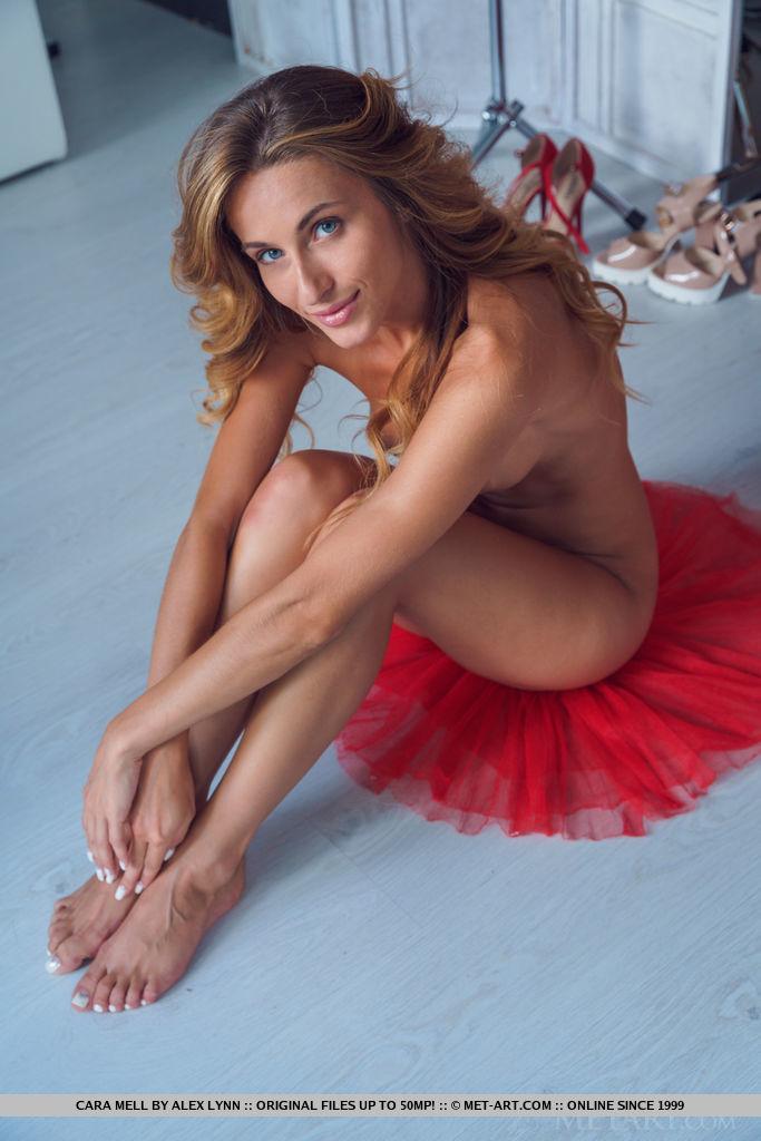 cara-mell-red-dress-nude-wardrobe-metart-12