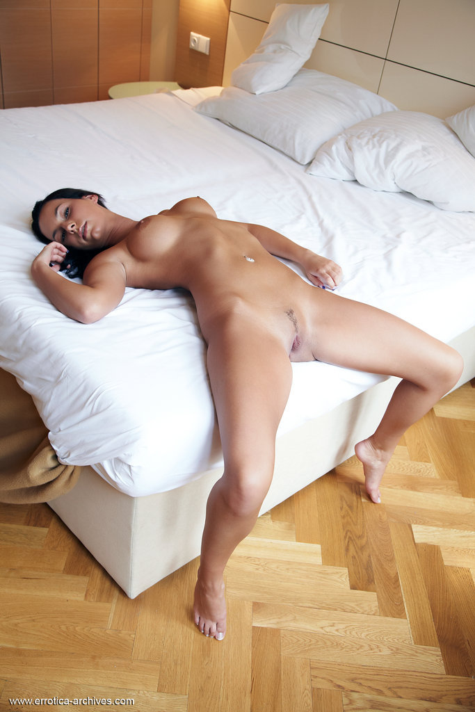carie-bedroom-errotica-archives-13
