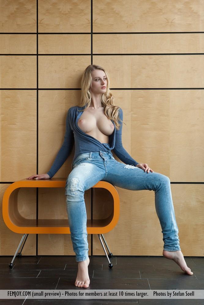 carisha-jeans-nude-femjoy-01