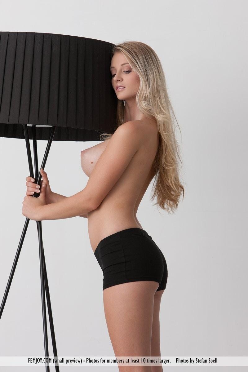 carisha-lamps-naked-boobs-femjoy-01