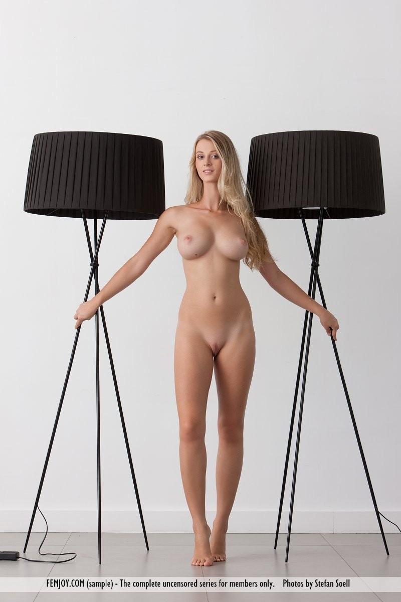 carisha-lamps-naked-boobs-femjoy-04