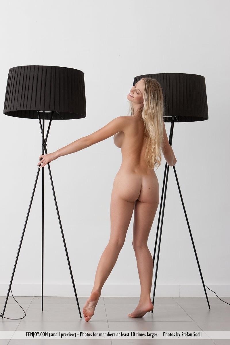 carisha-lamps-naked-boobs-femjoy-05