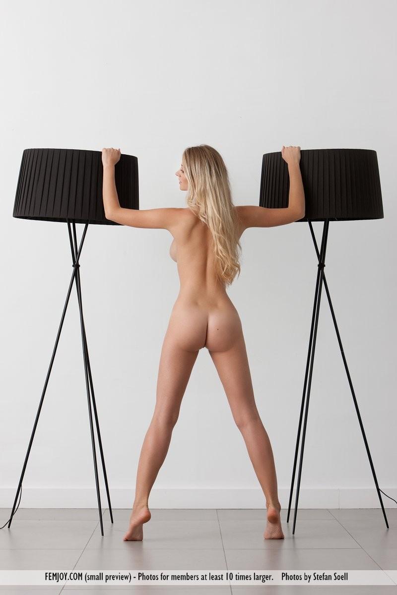 carisha-lamps-naked-boobs-femjoy-07