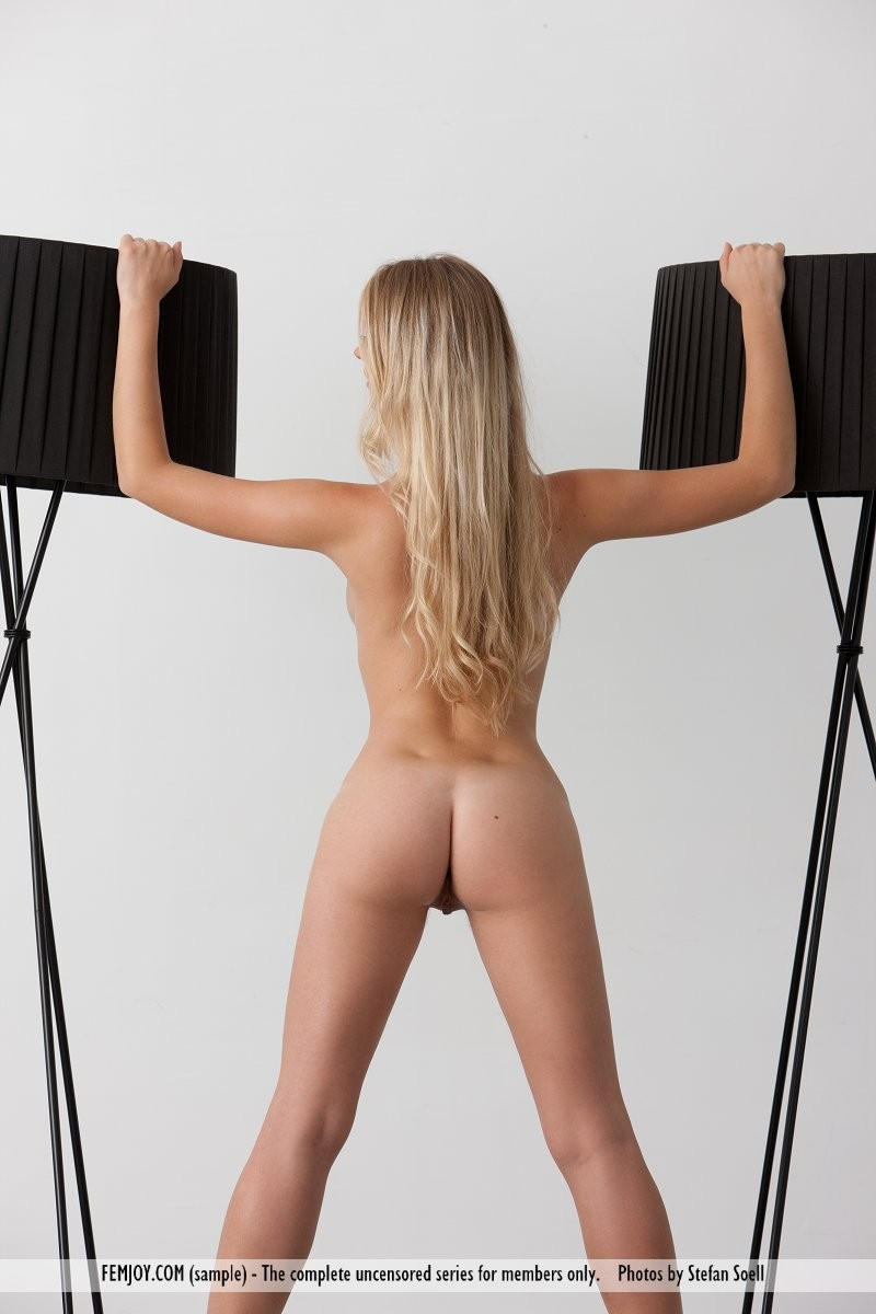 carisha-lamps-naked-boobs-femjoy-08