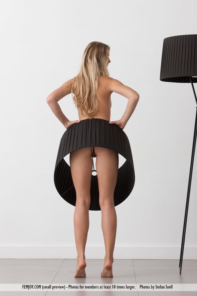 carisha-lamps-naked-boobs-femjoy-11