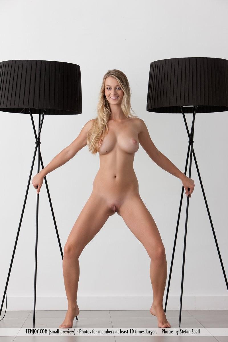 carisha-lamps-naked-boobs-femjoy-13