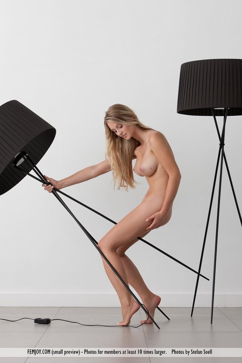carisha-lamps-naked-boobs-femjoy-15