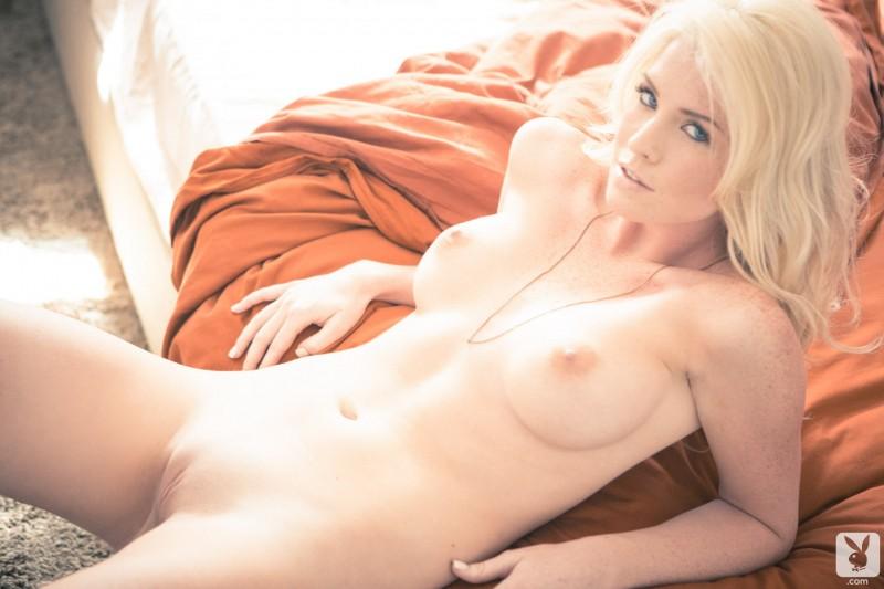 carly-lauren-nude-playboy-15
