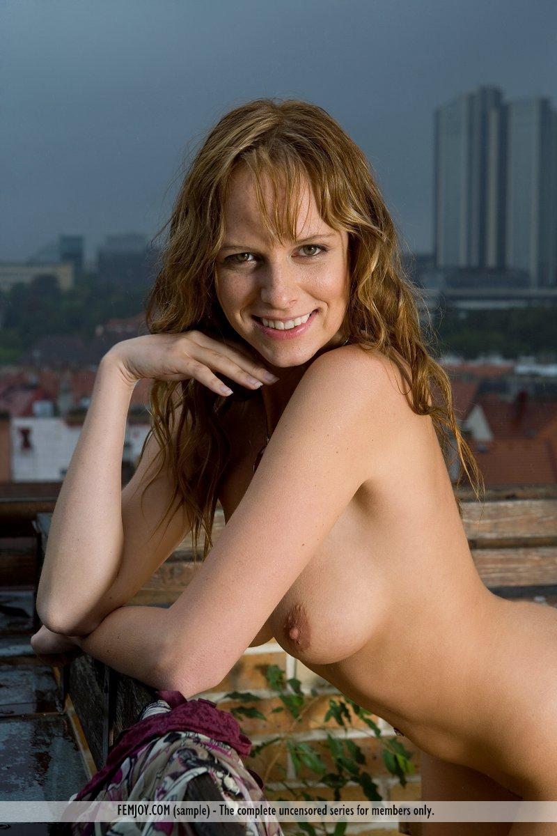 beatrix-balcony-breakfast-rain-nude-tits-femjoy-10