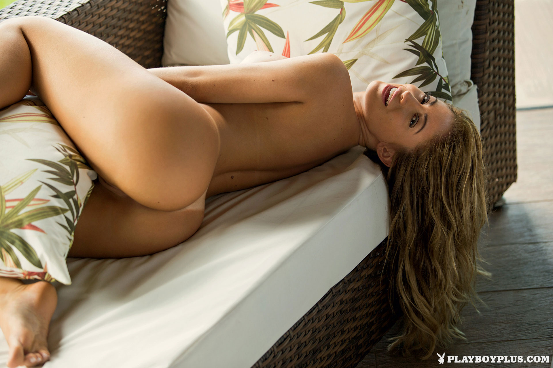ADULT Delta Goodrem Sex nude Poll hannah ferguson vs maria menounos,Toni Garrn Legs